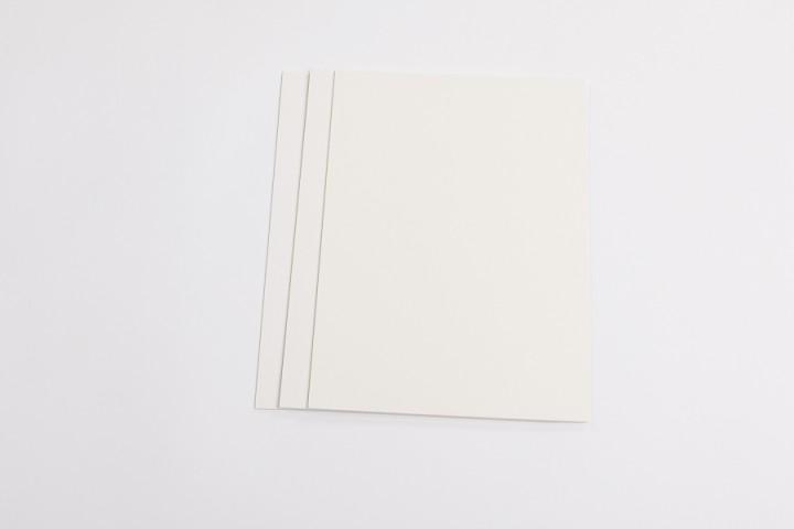 Trägerkarton einseitig selbstklebend in 1,5 mm