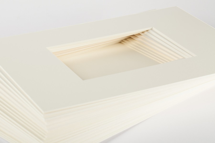 fertigpassepartouts naturwei wei in 1 5 mm. Black Bedroom Furniture Sets. Home Design Ideas